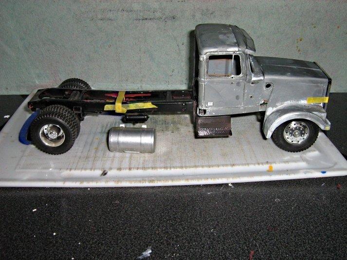 White-Truck W81m6r2jh7x